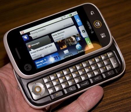 """Những chiếc điện thoại Motorola """"vang bóng một thời"""" - 5"""