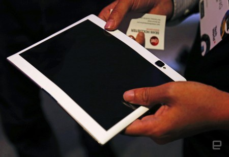 Máy tính bảng Folio giống như một chiếc máy tính bảng thông thường