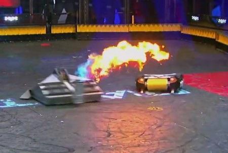 Trận đấu giữa Blacksmith và Minotaur được đánh giá là hay và hấp dẫn nhất trong lịch sử chương trình BattleBots