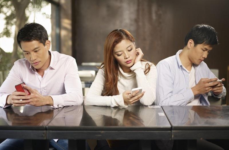 Smartphone đã trở thành một phần không thể thiếu trong cuộc sống của nhiều người và thậm chí ảnh hưởng không nhỏ đến cuộc sống xã hội của họ