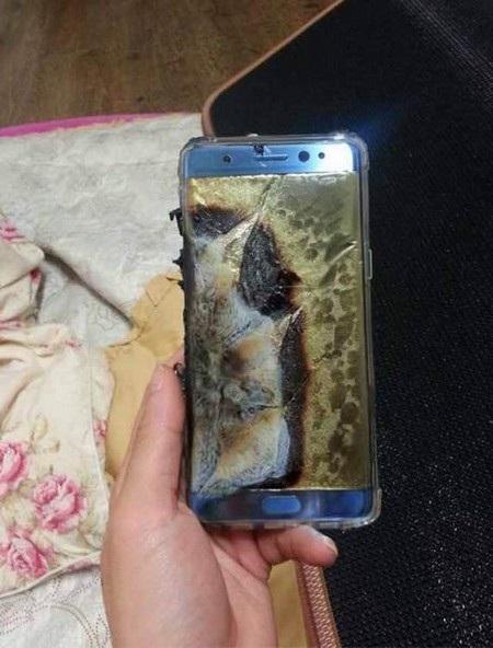 Xôn xao thông tin Galaxy Note7 phát nổ trong lúc đang cắm sạc - 2