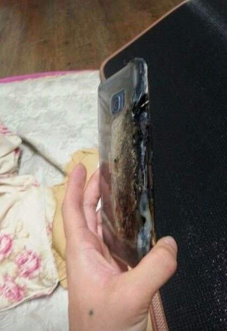 Xôn xao thông tin Galaxy Note7 phát nổ trong lúc đang cắm sạc - 4