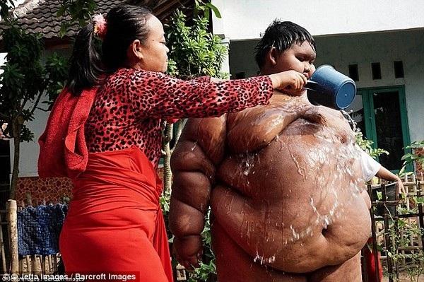 Dù giảm cân nhưng Arya vẫn được xem là cậu bé mập nhất thế giới hiện nay
