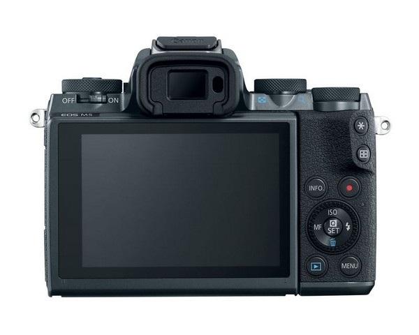 Mặt sau của sản phẩm được trang bị ống ngắm điện tử và màn hình cảm ứng rộng 3,2-inch