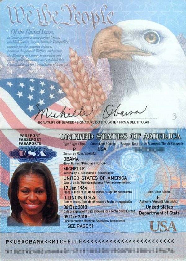 Hình ảnh hộ chiếu của bà Obama bị hacker đăng tải