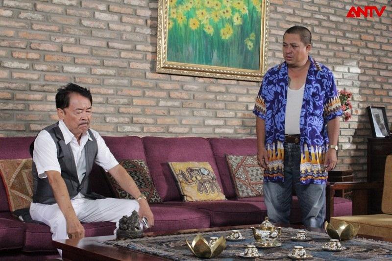 Phim có sự tham gia của ông trùm Hai Nhất (bên trái) và diễn viên Thanh Long Trẻ (bên phải)