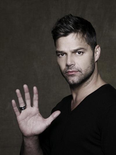 Nam ca sĩ Ricky Martin.