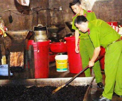 Xưởng sản xuất cà phê bẩn.