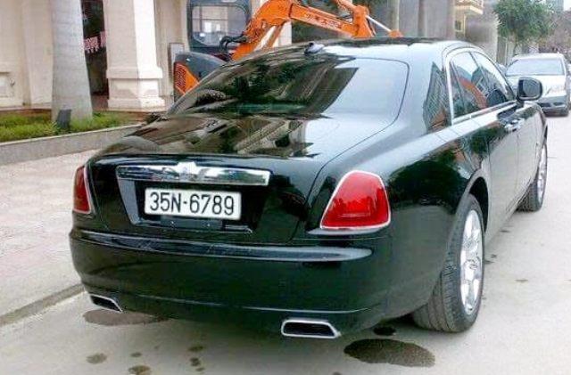 Siêu xe Rolls-Royce Ghost khoảng 17 tỷ ở Ninh Bình đeo biển san bằng tất cả giả