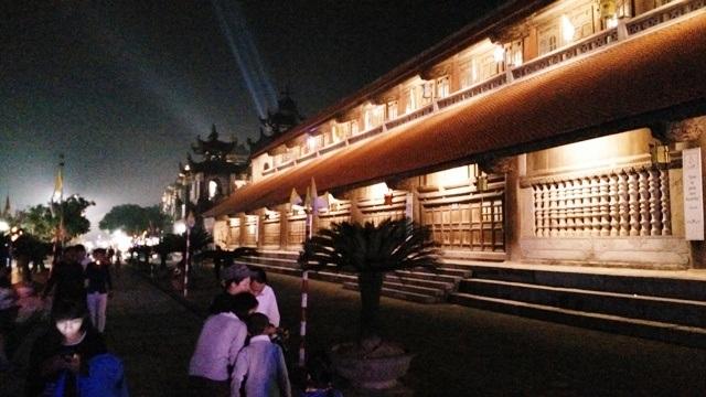 Nhà thờ Phát Diệm được trang hoàng lộng lẫy trong đêm Giáng sinh