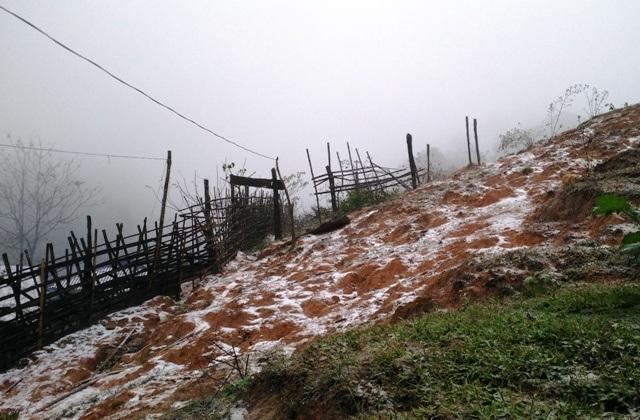 Tuyết rơi phủ trắng bản làng ở Thanh Hóa - 7