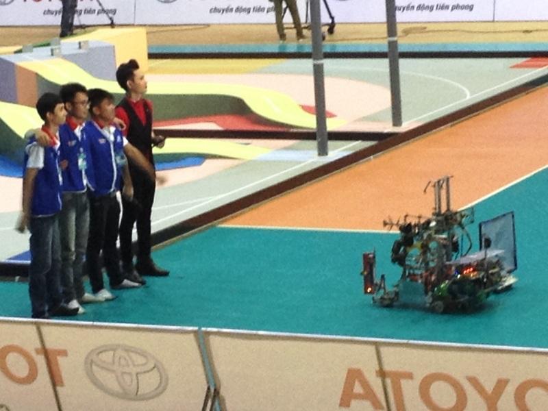 Các đội bắt đầu tranh tài tại giải đấu để tìm ra nhà vô địch