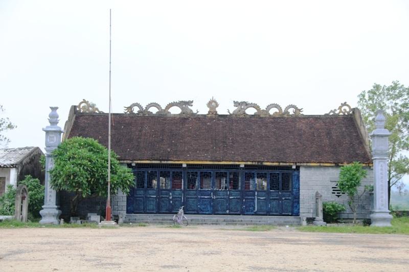 Làng Xuân Vũ, xã Ninh Vân, huyện Hoa Lư (Ninh Bình) có từ năm 1730 thời vua Lê Cảnh Hưng. Đình làng Xuân Vũ cũng được xây dựng từ đó, nhưng trước kia vật liệu làm đình chủ yếu là gỗ lim, xây bằng vôi vữa và gạch nung.