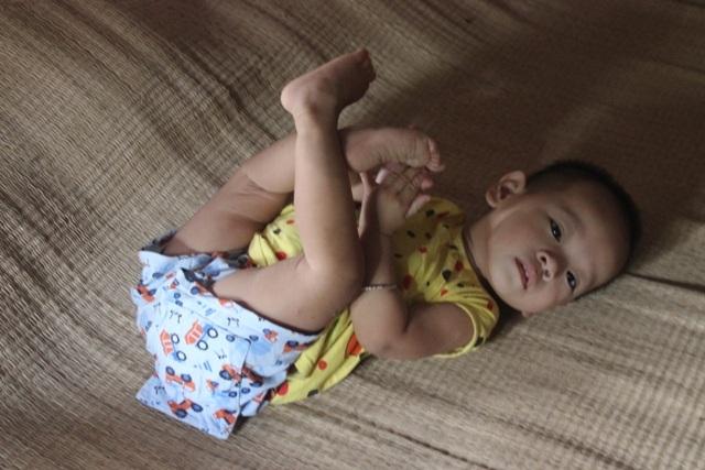 Đứa con gái thứ hai của chị dù đã hai tuổi nhưng chẳng nói, chẳng cười