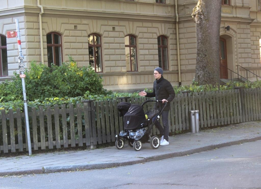 """Đàn ông Thụy Điển:  """"Giúp vợ việc nhà, chăm con là điều hạnh phúc"""" - 9"""