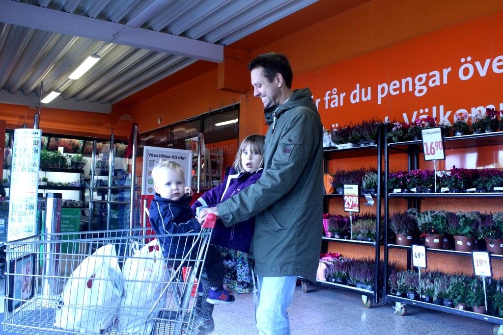"""Đàn ông Thụy Điển:  """"Giúp vợ việc nhà, chăm con là điều hạnh phúc"""" - 10"""