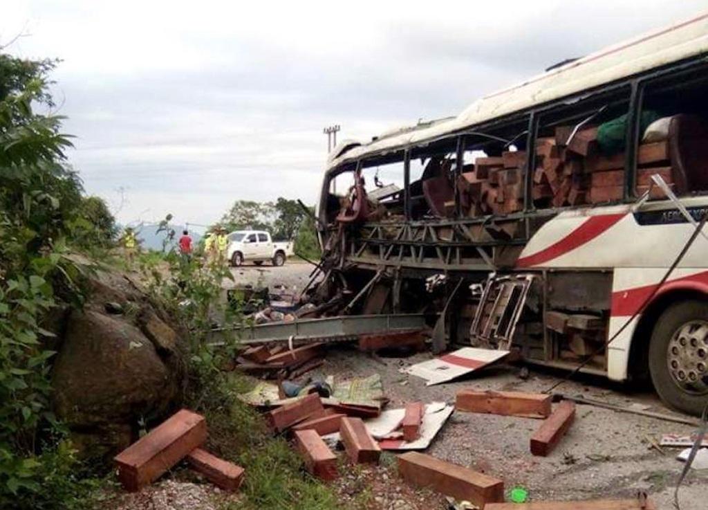 Vụ tai nạn đã làm 8 người thiệt mạng, 3 người bị thương (Ảnh: Nguyễn Duy)