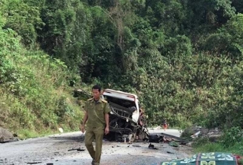 Vụ tai nạn kinh hoàng đã làm 8 người thiệt mạng, 3 người bị thương (Ảnh: Nguyễn Duy)