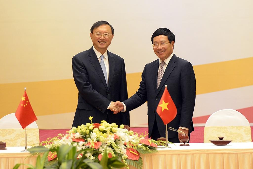 Phó Thủ tướng Phạm Bình Minh và Ủy viên Quốc vụ Trung Quốc Dương Khiết Trì tại Phiên họp lần thứ 9 Ủy ban Chỉ đạo hợp tác song phương Việt Nam-Trung Quốc