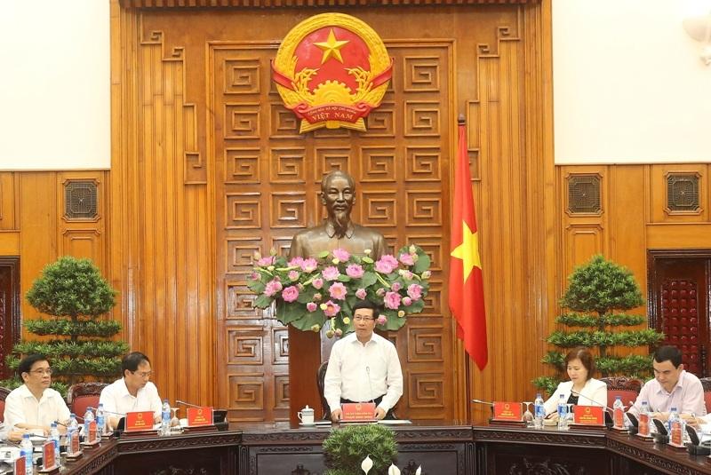 Phó Thủ tướng Phạm Bình Minh, Chủ tịch Ủy ban quốc gia APEC 2017 chủ trì phiên họp toàn thể lần thứ 5 của Ủy ban (Ảnh: Hải Minh/VGP)