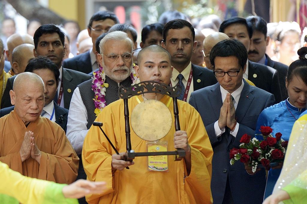 Thủ tướng Ấn Độ thành kính dâng hương tại chùa Quán Sứ - 4