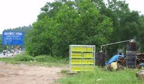Lò cất dầu tràm thủ công ở Huế Ảnh T B T