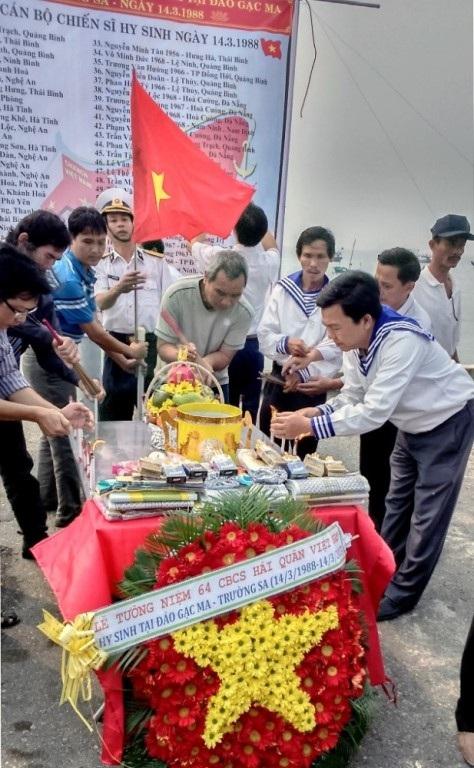 Đà Nẵng tri ân chiến sĩ Gạc Ma của tác giả Lê Hải