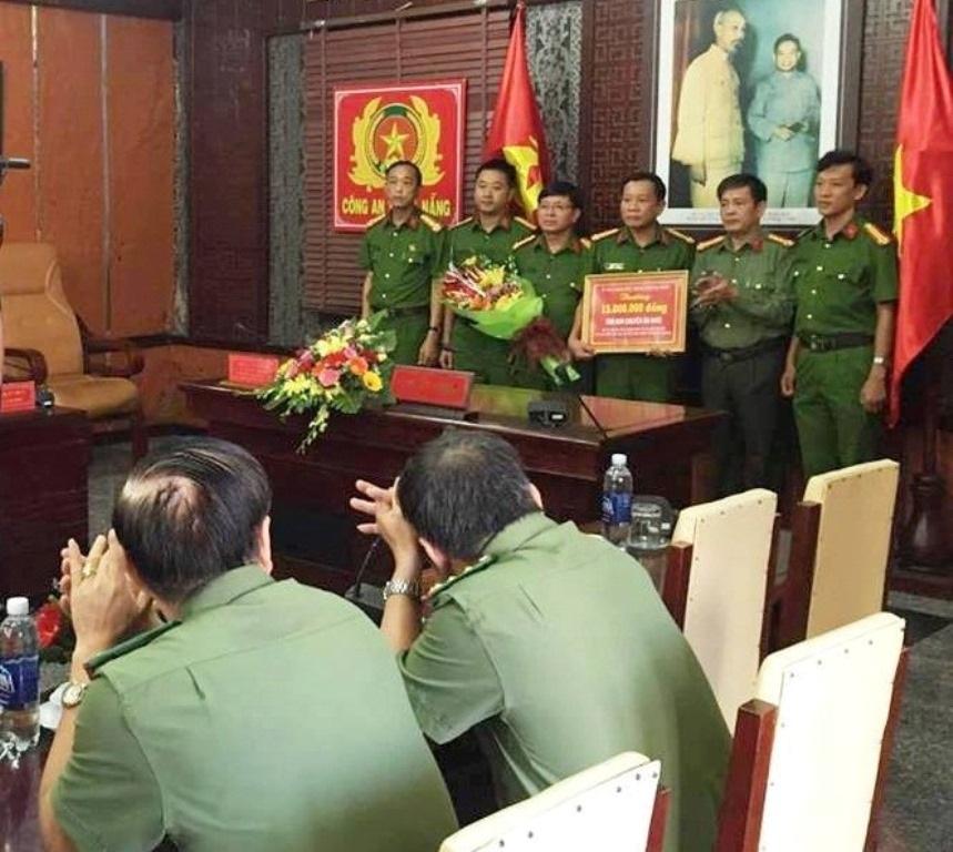 UBND TP Đà Nẵng thưởng nóng cho Ban chuyên án đã nhanh chóng bắt được nghi phạm giết hại nữ sinh Đặng Thị Kim Ngân