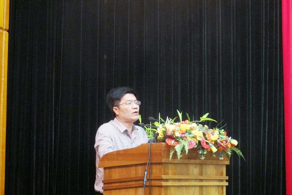 Ông Ngô Quang Vinh – Giám đốc Sở Du lịch Đà Nẵng báo cáo tình hình khách Trung Quốc tại Đà Nẵng