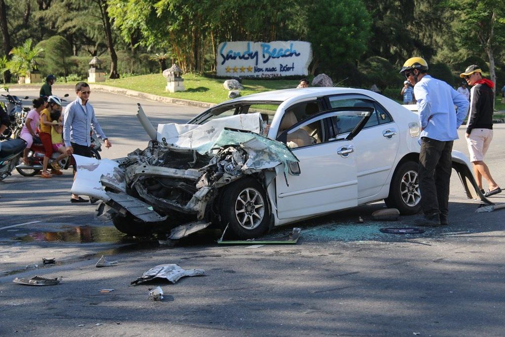 Vụ tai nạn khiến 1 người tử vong, 4 người bị thương nặng