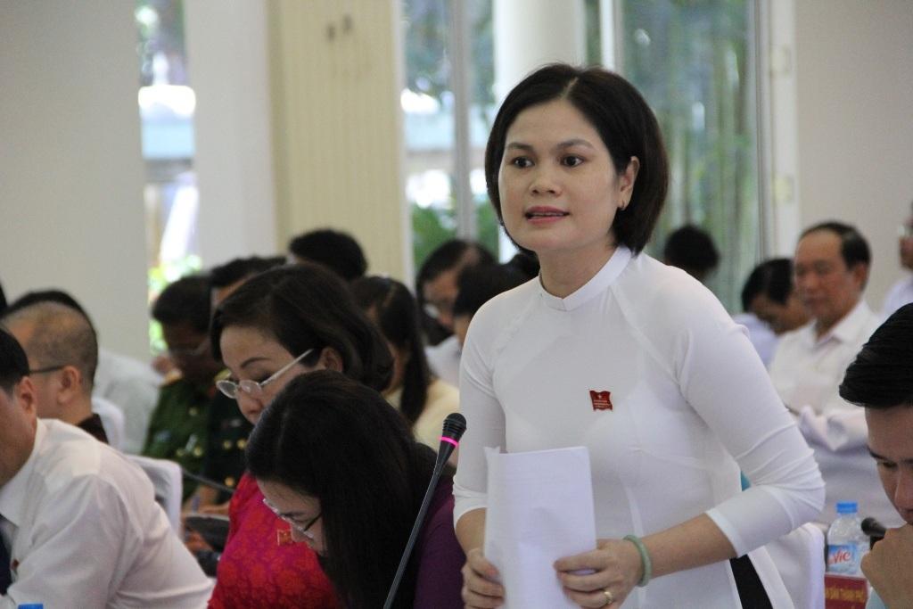 Đại biểu Lê Thị Mỹ Hạnh đề nghị lãnh đạo thành phố phải quyết tâm, quyết liệt thu hồi các dự án treo ven biển