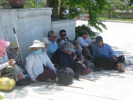 Các đối tượng bán hàng rong, xin ăn, lang thang... được tập trung đưa vào Trung tâm bảo trợ xã hội Đà Nẵng