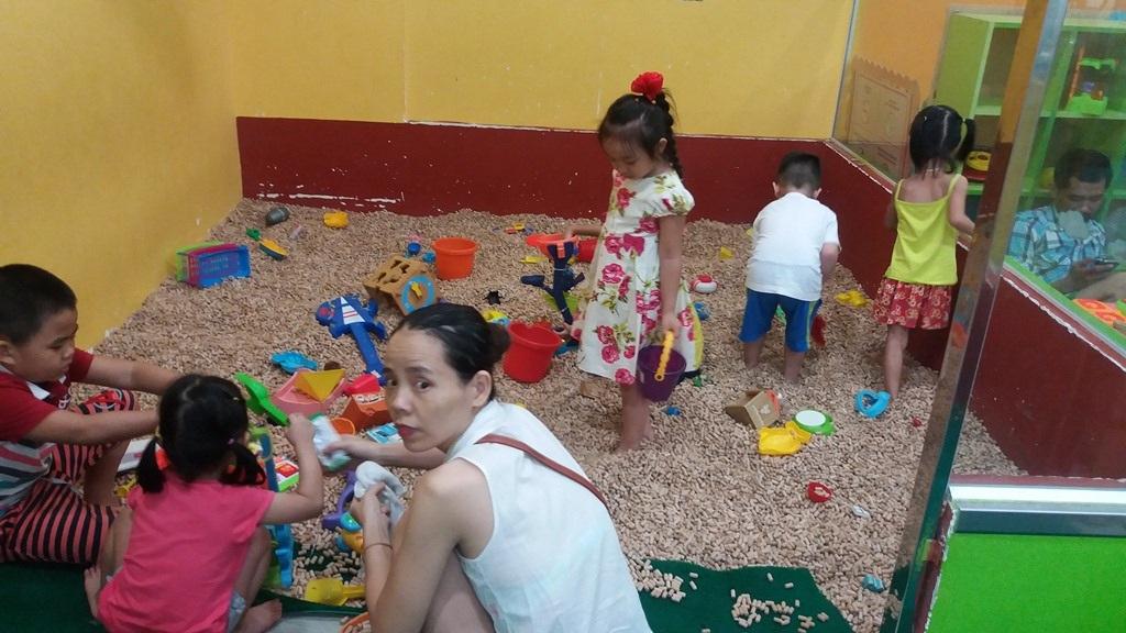 Các bé đều tỏ ra thích thú khi được vui chơi