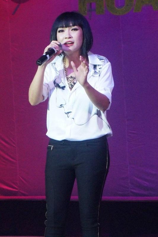Ca sĩ Phương Thanh luôn rất nhiệt tình trong các chương trình dành cho đồng nghiệp của mình