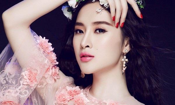 Angela Phương Trinh cũng sở hữu làn môi căng mọng và vô cùng quyến rũ.