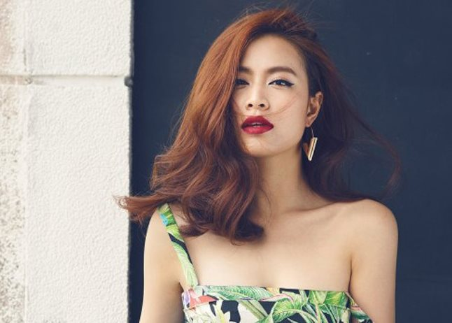 Hoàng Thùy Linh không chỉ có thân hình nóng bỏng, cô còn sở hữu bờ môi vô cùng sexy.