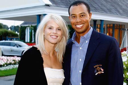Cuối năm 2009, bê bối tình ái của Tiger chính là scandal tồi tệ nhất làng thể thao thế giới. Nó đã khiến cho vận động viên từng giàu có nhất hành tinh này đánh mất cả gia đình lẫn sự nghiệp. Khi ly dị cô vợ Elin Nordegren, Tiger Woods đã phải bồi thường 200 triệu đô la cho vợ cũ. Tuy nhiên, đến đầu năm 2015, vợ cũ đã cáo buộc Tiger Woods vẫn còn nợ tới 54 triệu đô la.