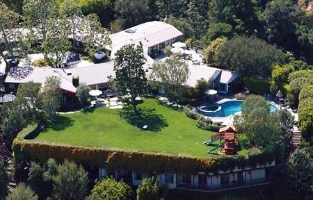 """Ben Affleck và Jennifer Garner rao bán tòa biệt thự siêu """"khủng"""""""