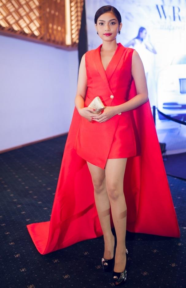 Á hậu Trương Thị May