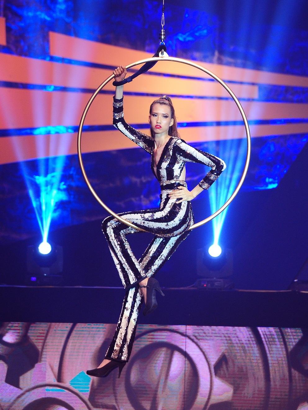 Những khoảnh khắc đẹp đêm chung kết Vietnam's Next Top Model - 15