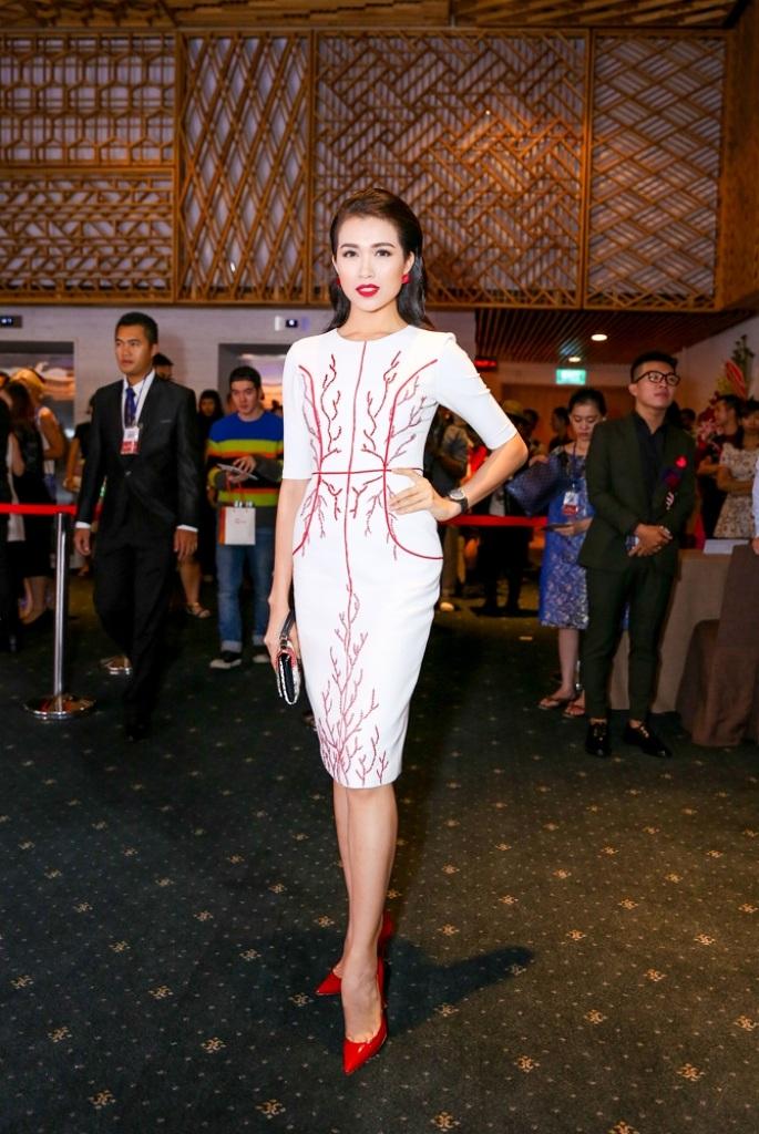 Người đẹp Hoàn vũ Việt Nam nổi bật nhất trên thảm đỏ - 10