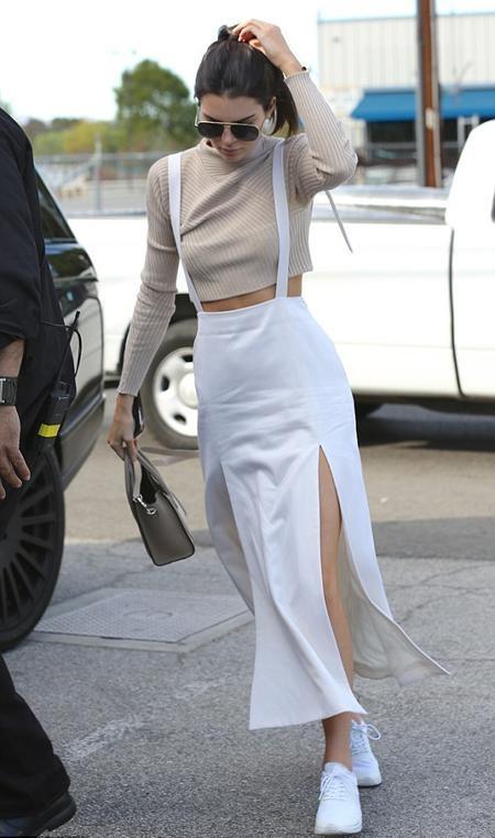 Kendall Jenner đang làm việc chăm chỉ tại một studio ở Los Angeles