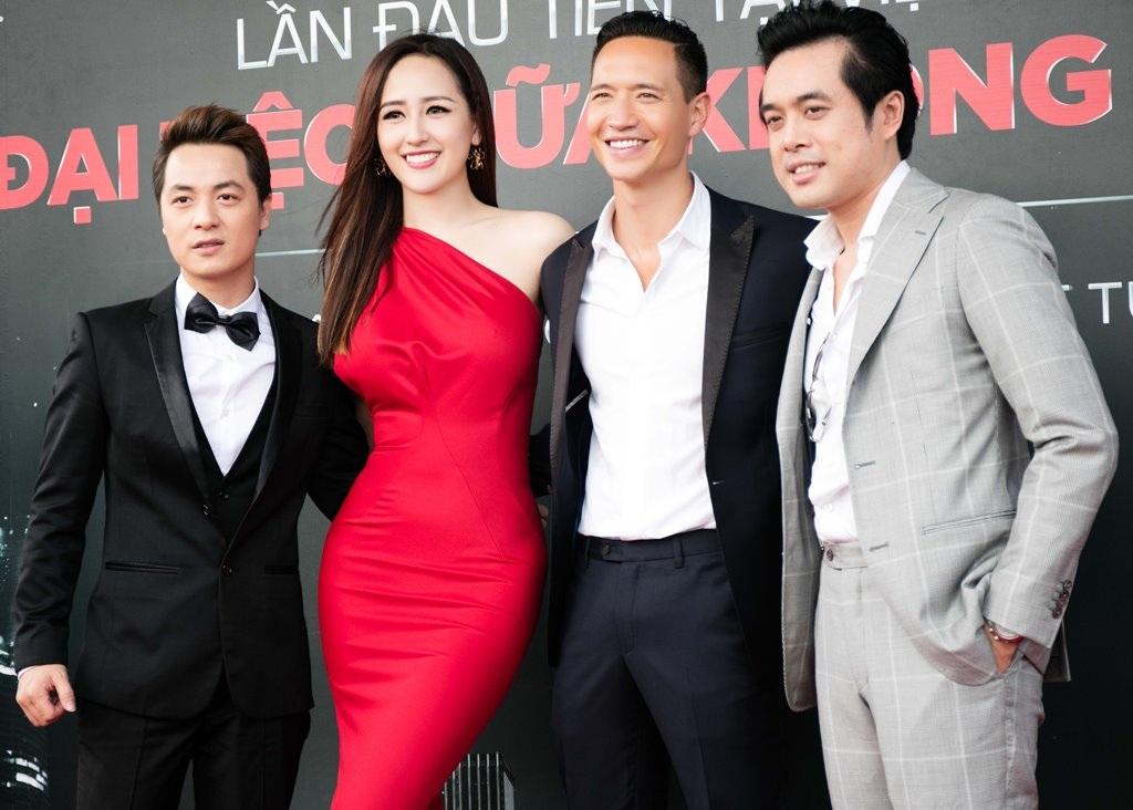 Hoa hậu Mai Phương Thúy thân thiết với Kim Lý - 4