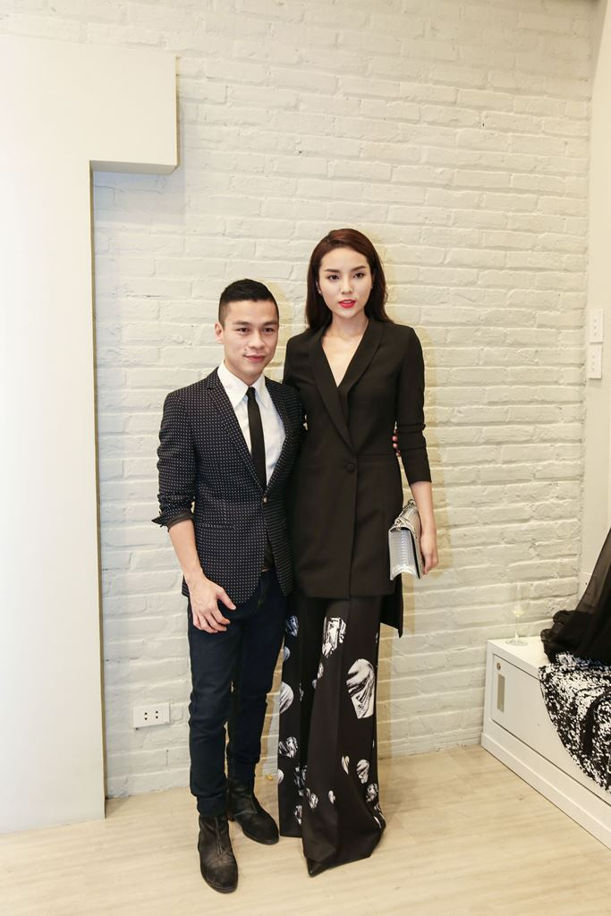 """Hoa hậu Kỳ Duyên khác lạ với trang phục """"kín đáo"""" - 3"""