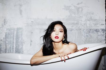 HyunA bị chỉ trích vì quá sexy