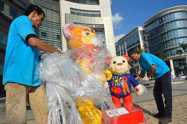Những chú gấu Teddy đã được mang về khu vực lễ hội