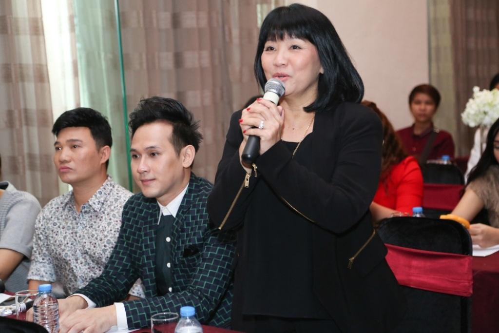Ca sĩ Cẩm Vân chia sẻ niềm hạnh phúc và vinh dự của Đàm Vĩnh Hưng