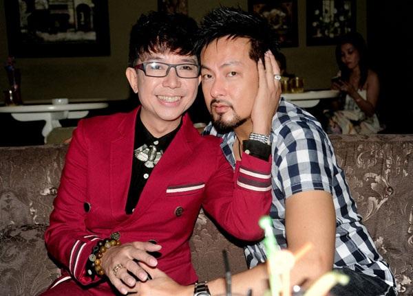 Ca sĩ Long Nhật bên bạn trai tin đồn