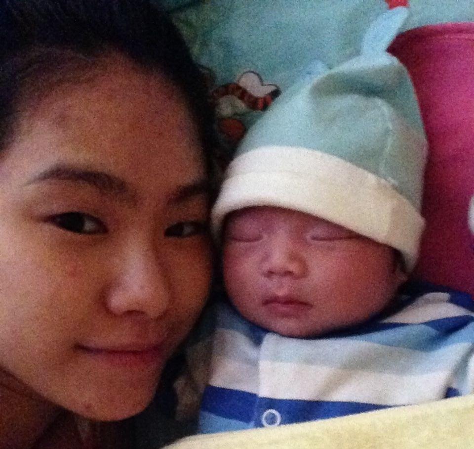 Lương Bích Hữu và con gái sau khi sinh
