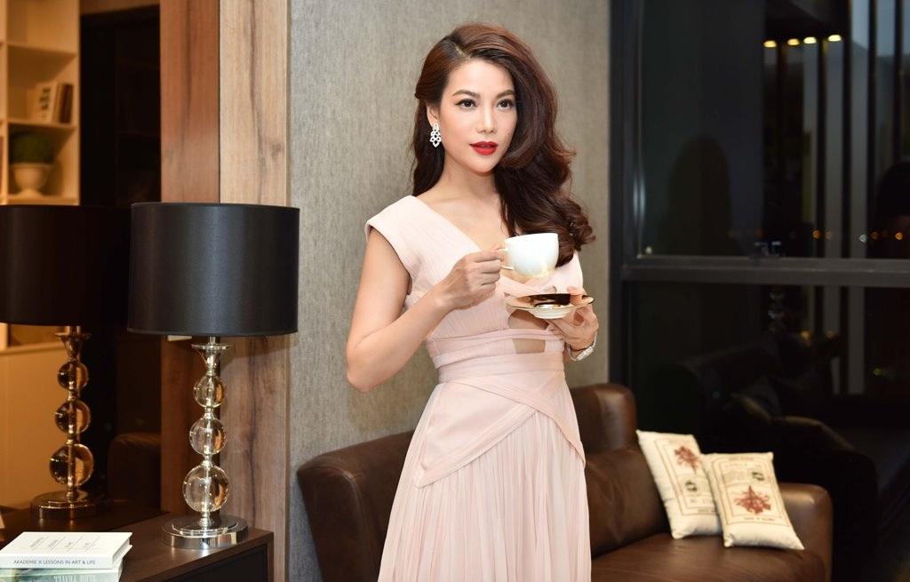 Hoa hậu Đặng Thu Thảo đọ sắc cùng Trương Ngọc Ánh - 6